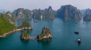 Halong-Bay-A-World-Wonder-panorama