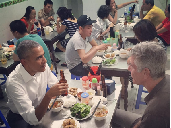 Obama-eat-Buncha